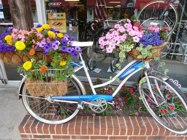 Bicycle in bloom on Main Street, Milford, Ohio © 2012 Frosty Wooldridge