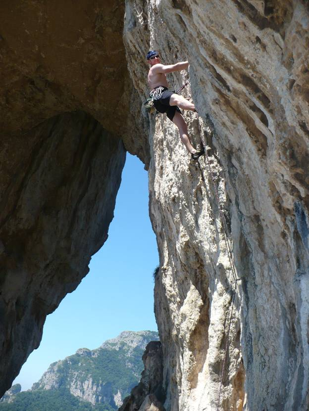 Rock climbing south of Positano, Italy © 2012 Frosty Wooldridge